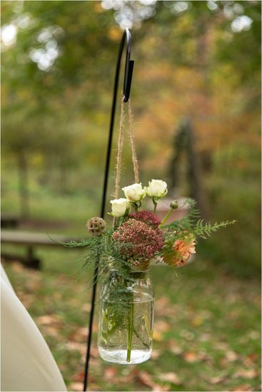 Floral Decor: Hawthorn Hollow