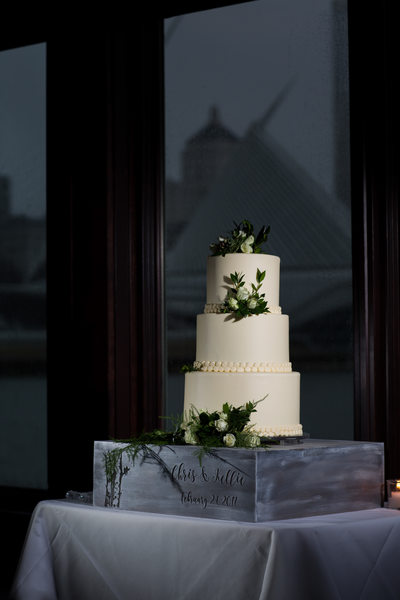 Wedding Cake: Milwaukee Harbor House