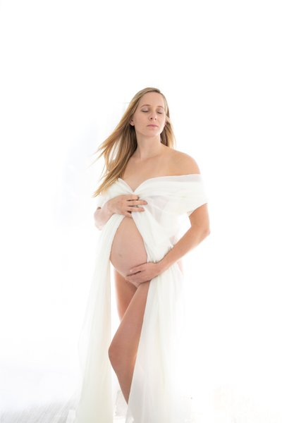 Nude Maternity: Artistic Portraits