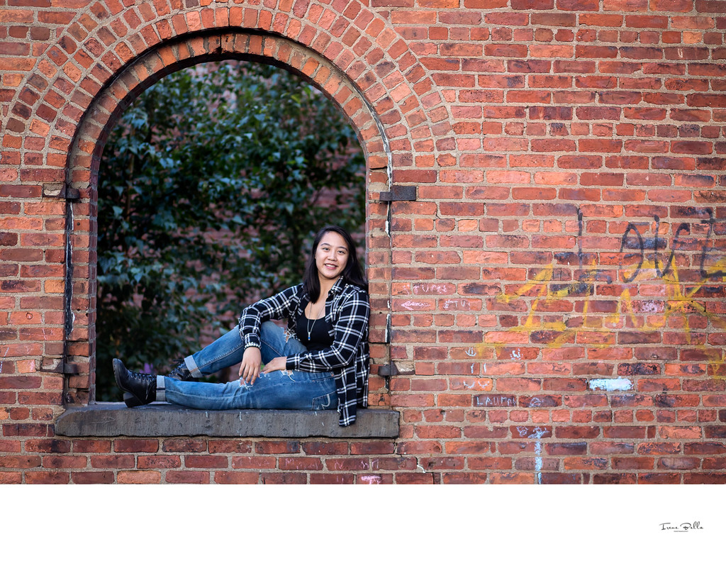 Best Dumbo Senior Photographer
