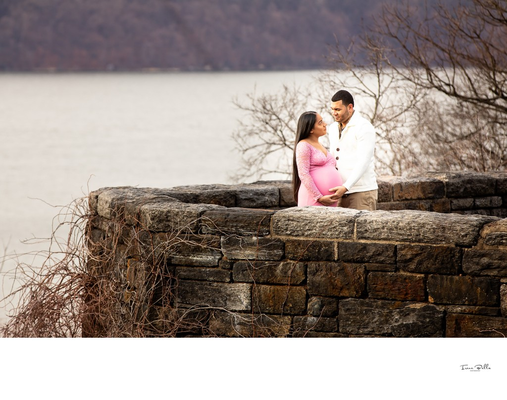 Best Fort Tryon Park Maternity Photographer