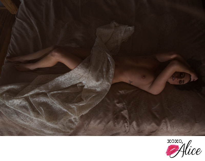 best romantic and classy bridal boudoir in st louis