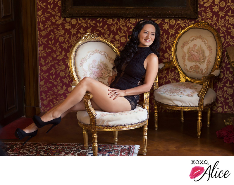 fancy boudoir studio in St. Louis Missouri photography