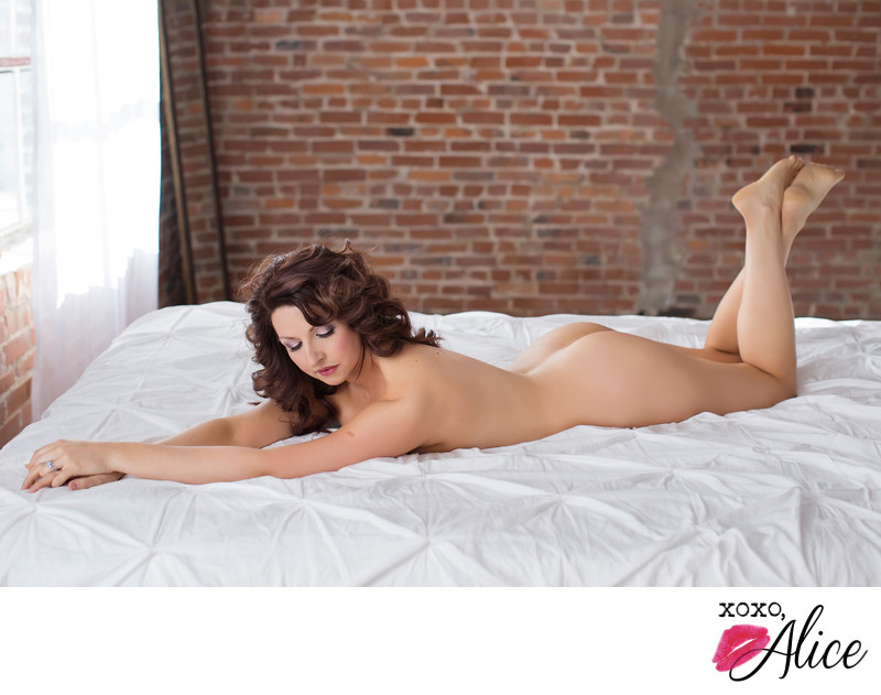 Boudoir Photograph in St Louis Missouri implied nude