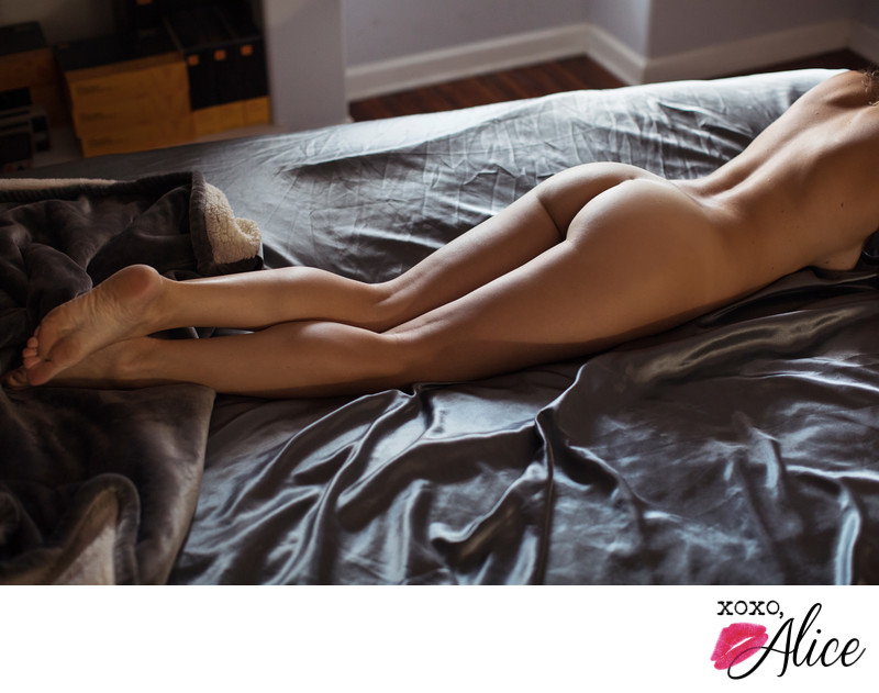 tasteful fine art nude and implied nude boudoir stlouis