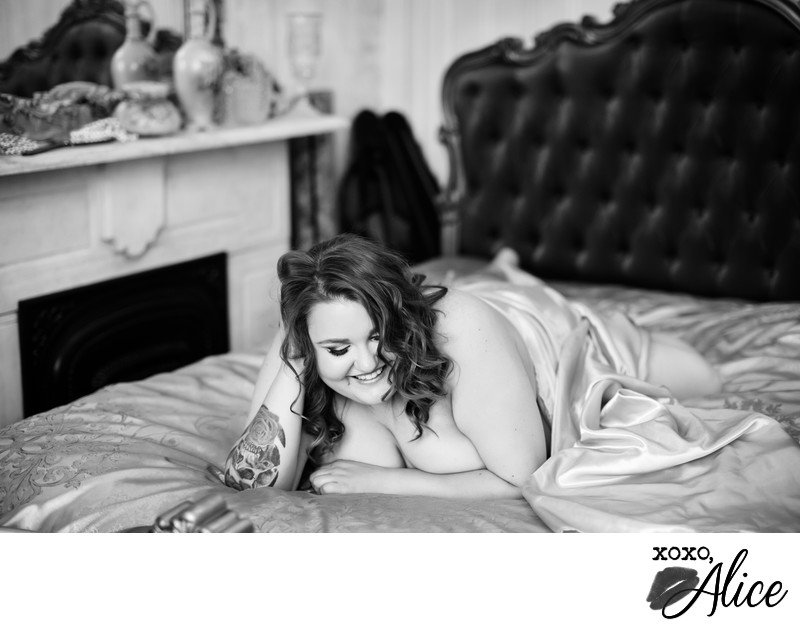 black white boudoir photographer plus sized women