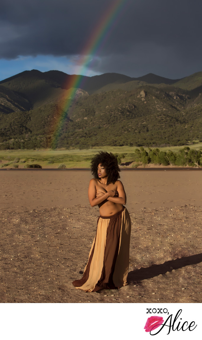natural hair and rainbow nudes in nature XOXO Alice STL