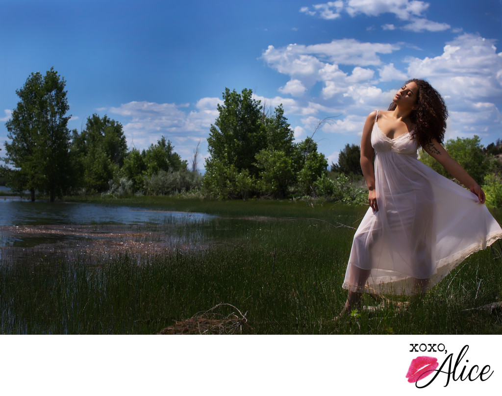 sunlight and boudoir outdoor photography in colorado