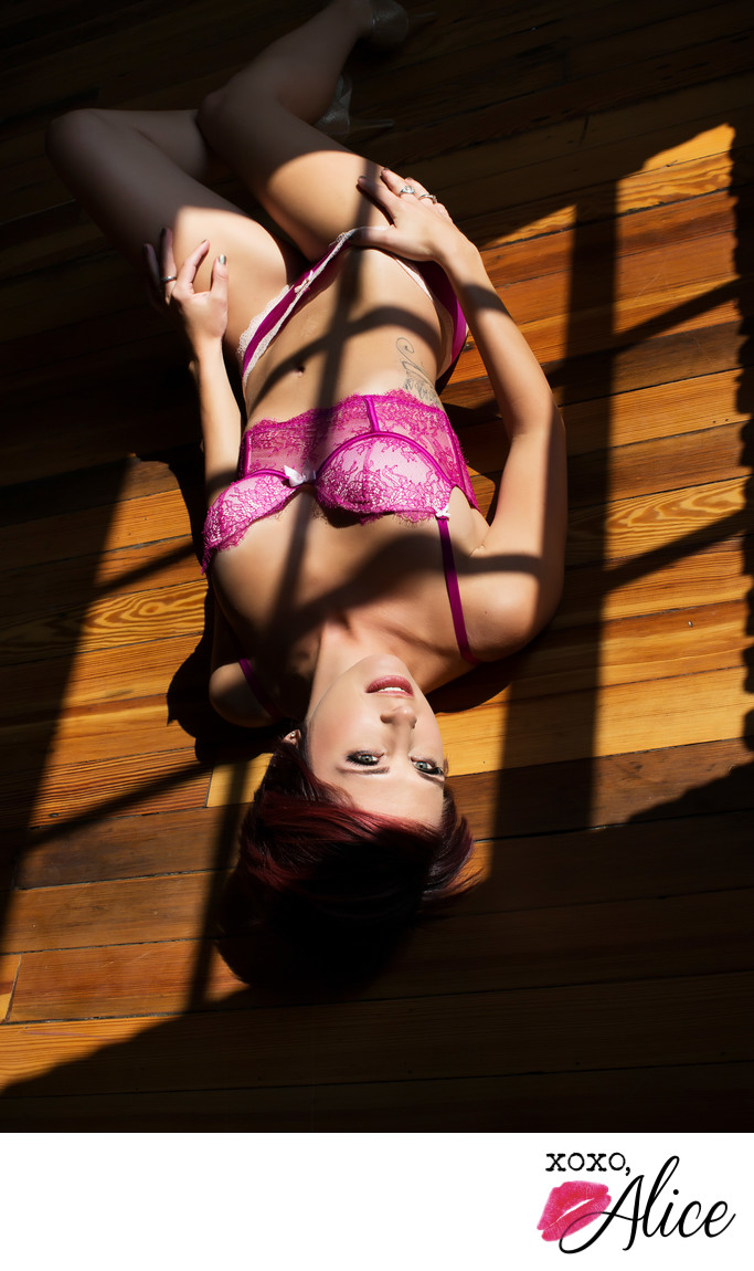creative boudoir pics in saint louis MO and Illinois