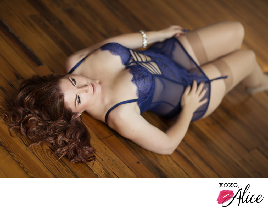 Boudoir Photography in St Louis Missouri blue negligee