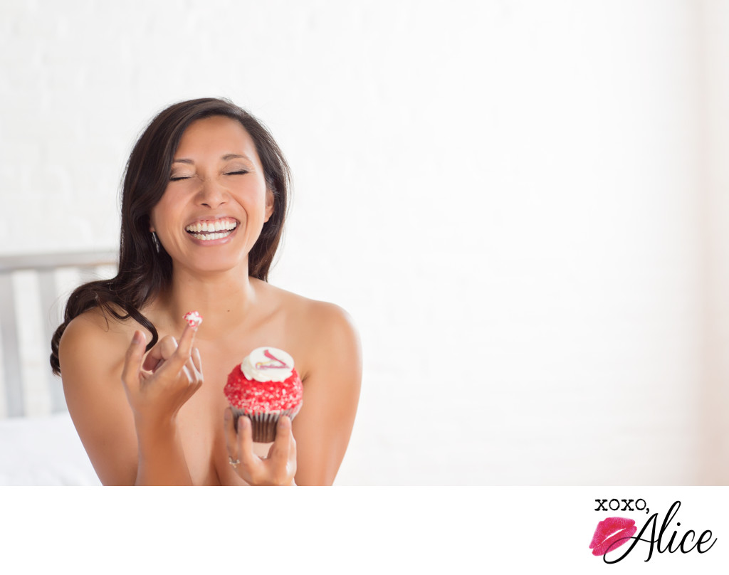 boudoirphotos in st louis cardinals cupcake