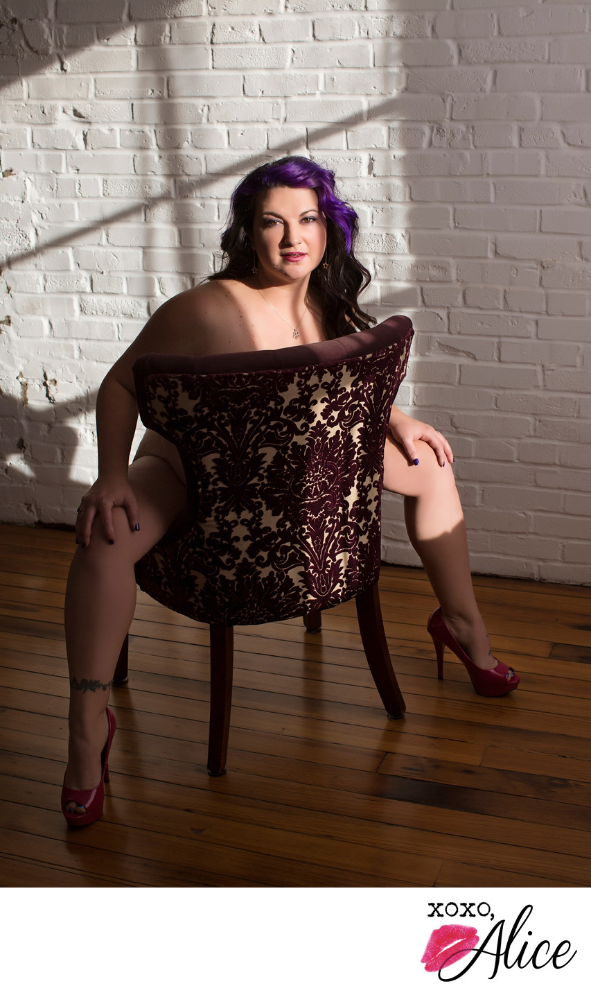sexy chair poses for boudoir xoxo alice confidence