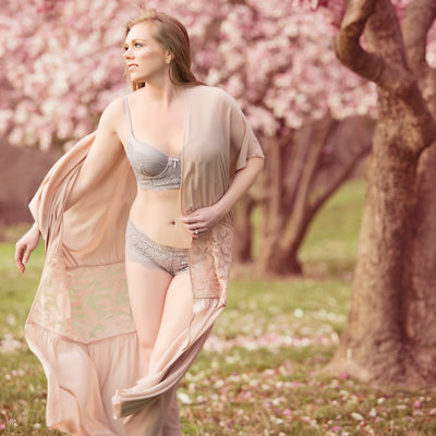 beautiful portraits with the magnolias in st louis mo