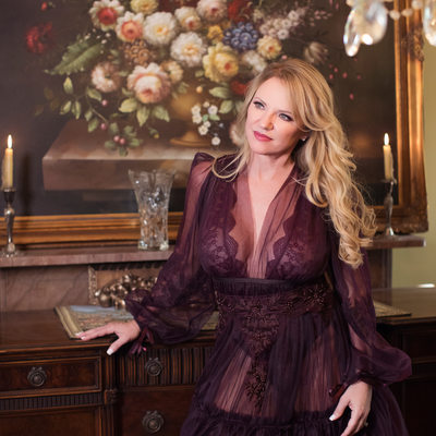 glamorous boudoir photos saint Louis purple gown floral