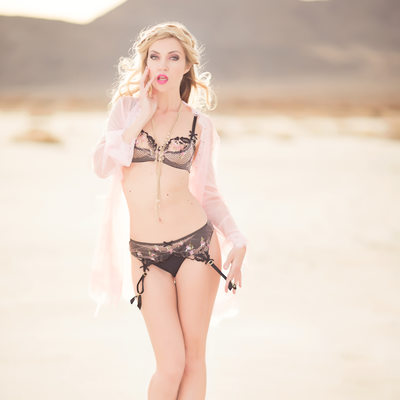 best boudoir photos with agent provocateur salt flats