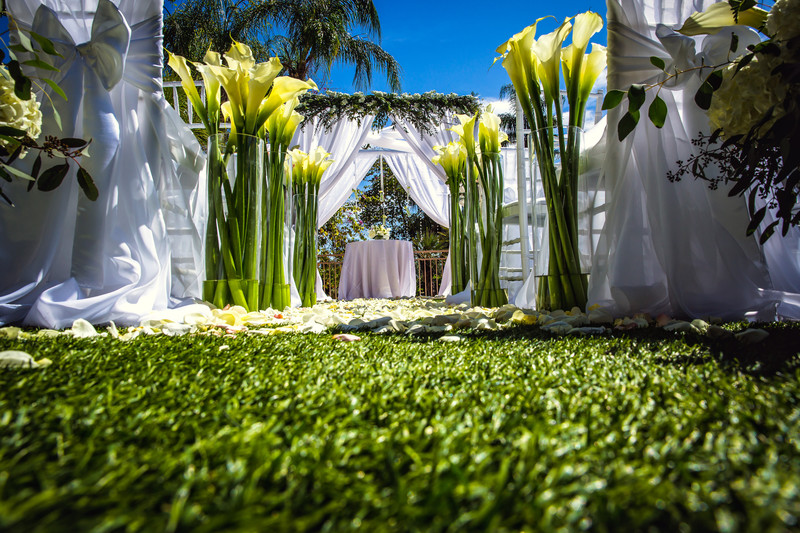 Garden Wedding at the Phoenician in Scottsdale Arizona - Best Scottsdale Wedding Photographers - Ben and Kelly Phiotography