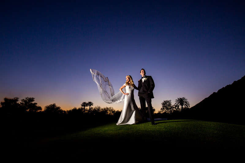 Fun wedding photography in Scottsdale - Ben & Kelly Photography