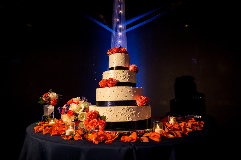 fun wedding cake - phoenix wedding photographer