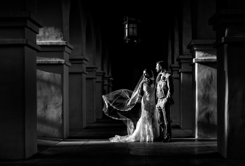 Phoenix wedding photographer - Brophy Chapel