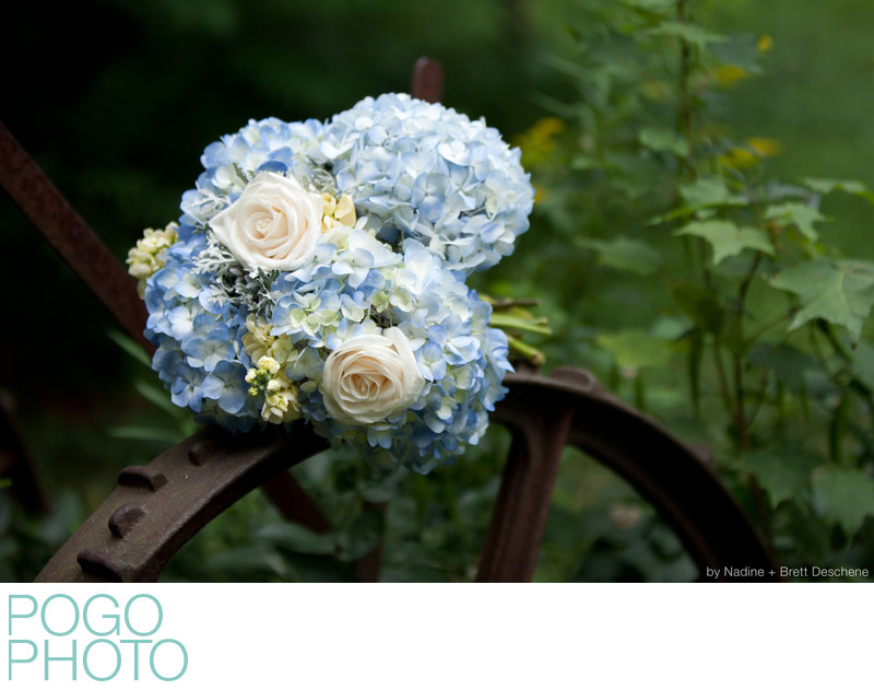 The Pogo Wedding: Em's beautiful hydrangea bouquet