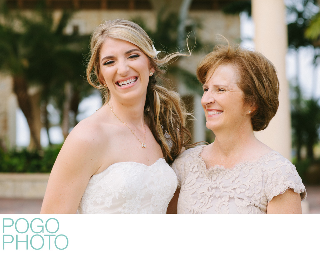 Mother of the Bride Photo with Daughter in Jupiter FL