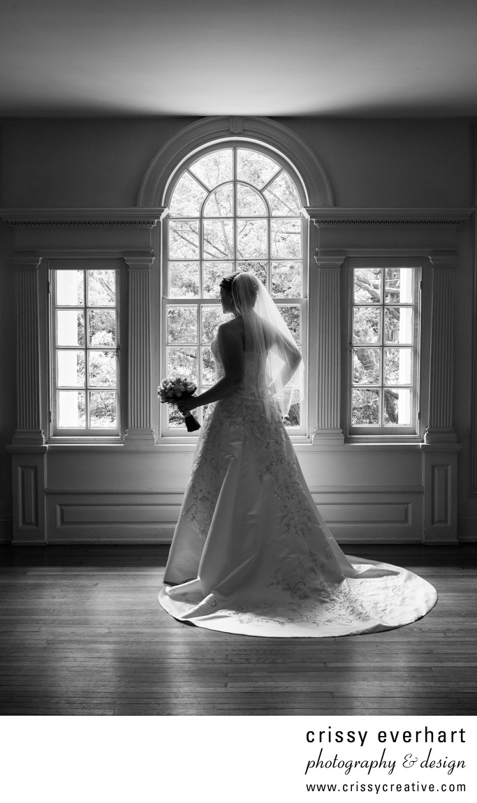 Bolingbroke Mansion in Radnor, PA - Bridal Silhouette