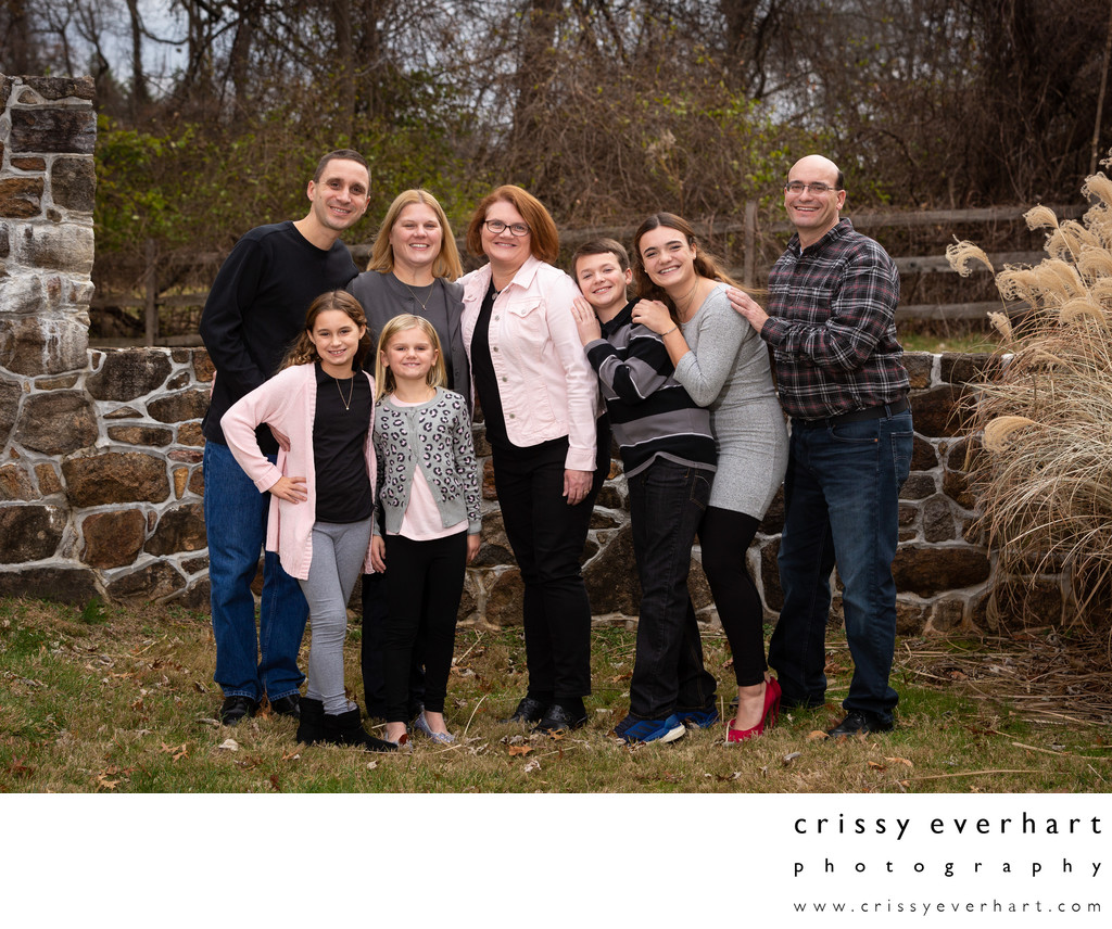 Modern Extended Family Photos at Outdoor Studio