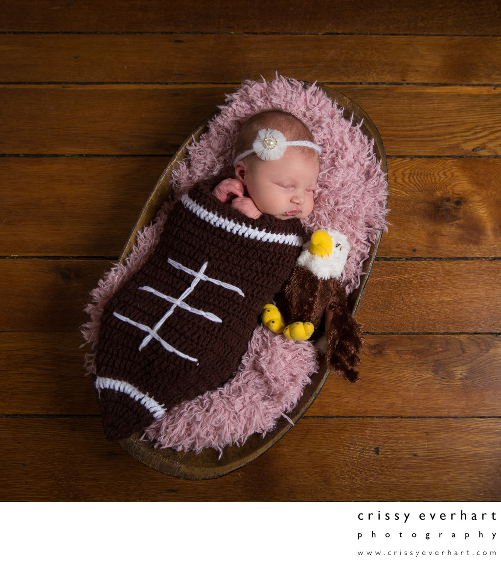 Philadelphia Eagles Newborn Photos - Pink Football
