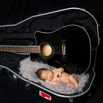 Paoli Newborn Photos - Baby Boy in Dad's Guitar Case