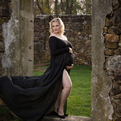Long Flowy Gown - Dynamic Pregnancy Photos in Chesco