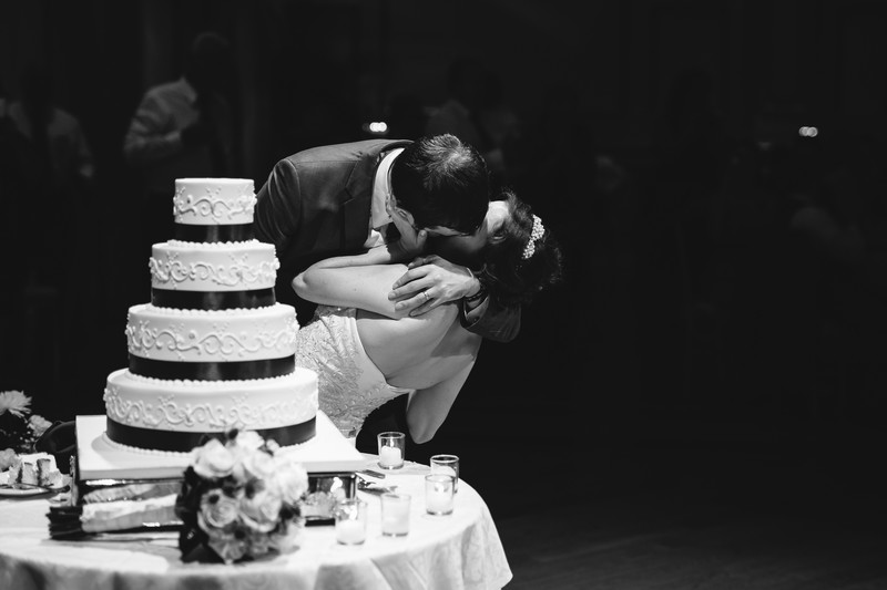 NY Wedding Cake Photo | NYC Wedding Photographer