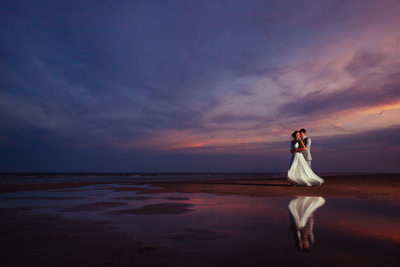beach sunset wedding photography