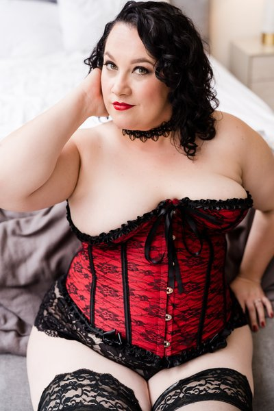 Plus Size Boudoir Photo Shoot in Rise Studio