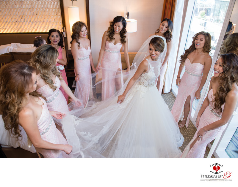 Bridesmaids and bride at Mandarin Oriental Las Vegas Wedding