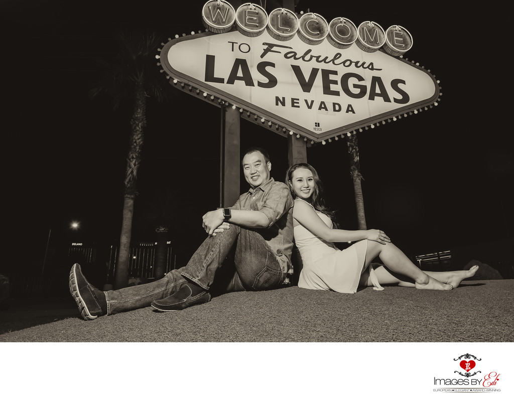 Engagement Session at the Welcome to Fabulous Las Vegas Nevada sign