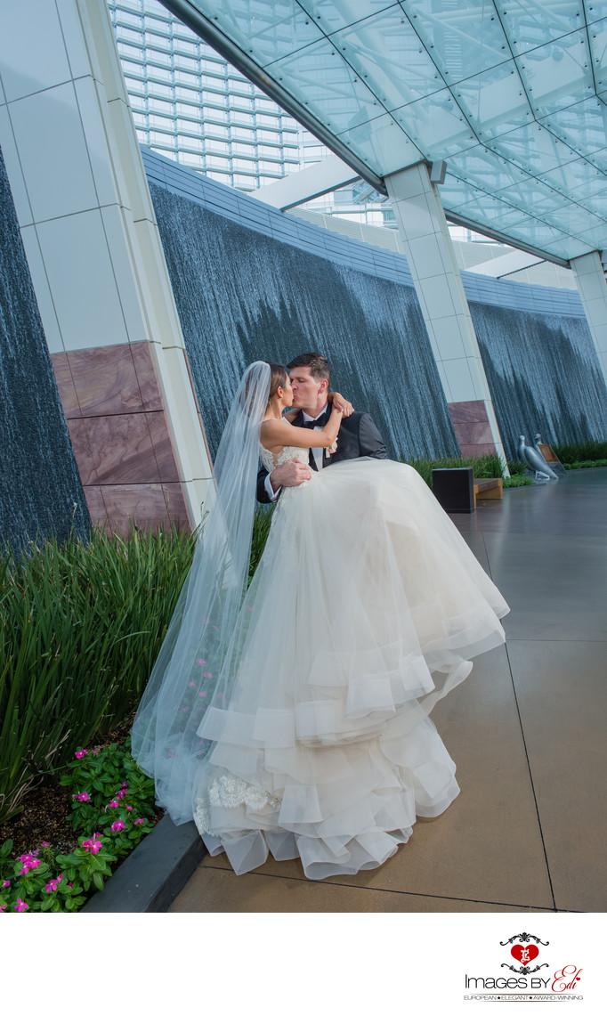 Mandarin Oriental Las Vegas wedding Photos - Images by EDI
