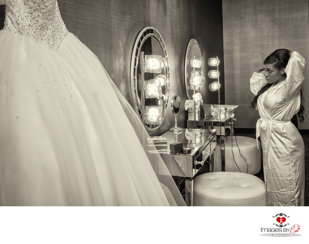 Las Vegas Wedding Photography at Reflection Bay Golf Course | Best Vegas Wedding Photographer | Black and White Getting Ready Photo | Images by EDI