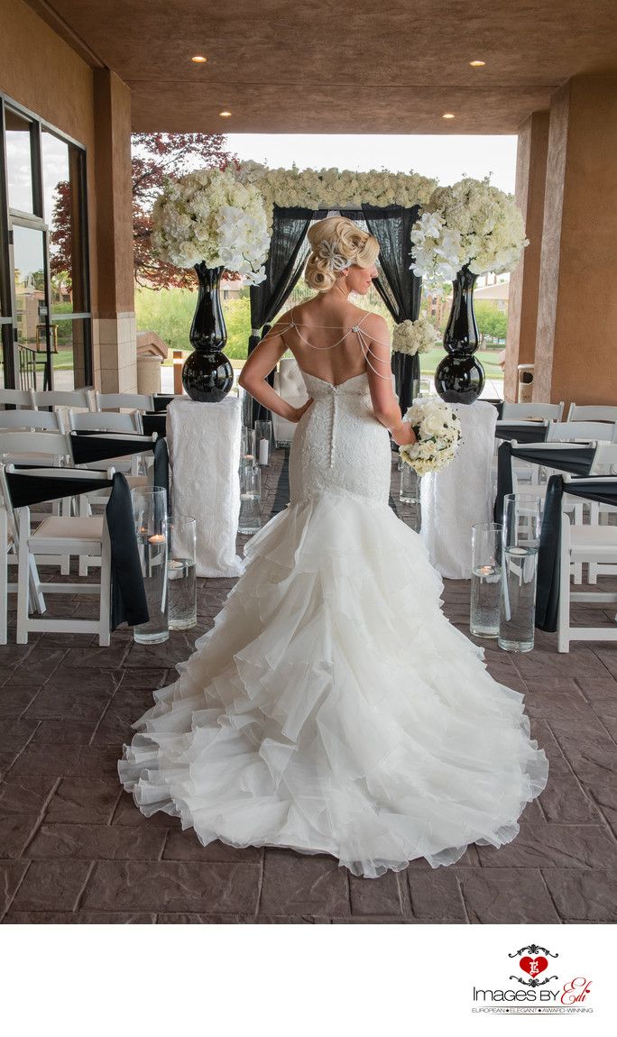 Las Vegas Wedding photography, bride alone
