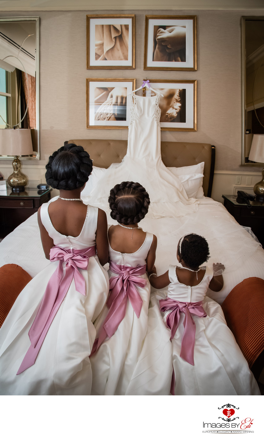 Las Vegas Venetian Resort getting ready photo with flower girls |Las Vegas Wedding Photographer | Las Vegas  Elopement | Images by EDI