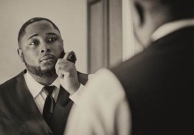 Aliante Casino & Hotel Las Vegas wedding photographer | Aliante Casino & Hotel weddings | Las Vegas Elopement | Groom is getting ready | Images by EDI