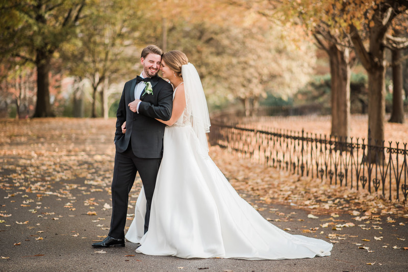 lafayette square wedding st louis fall candid