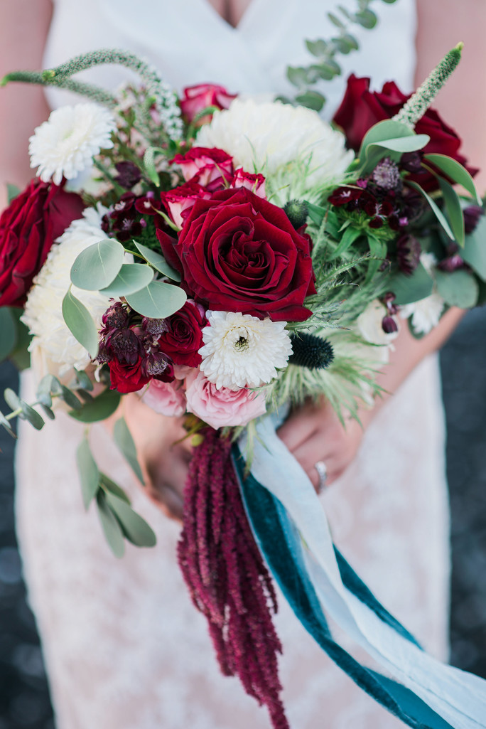 wedding bouquet ribbons Amaranthus red pink roses