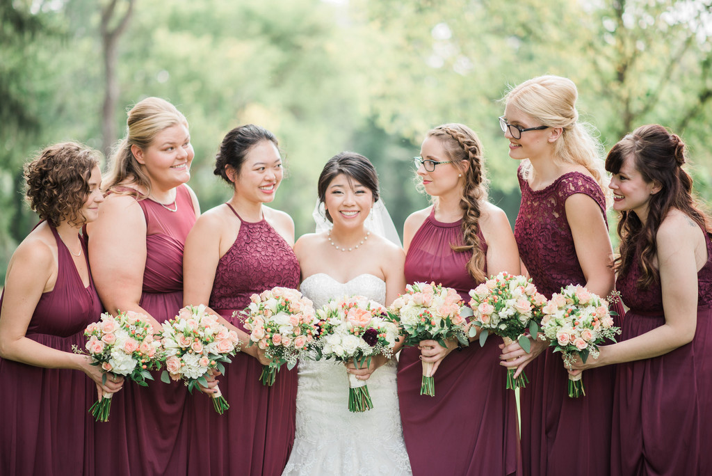 st-charles-photographer-stone-house-bridesmaids