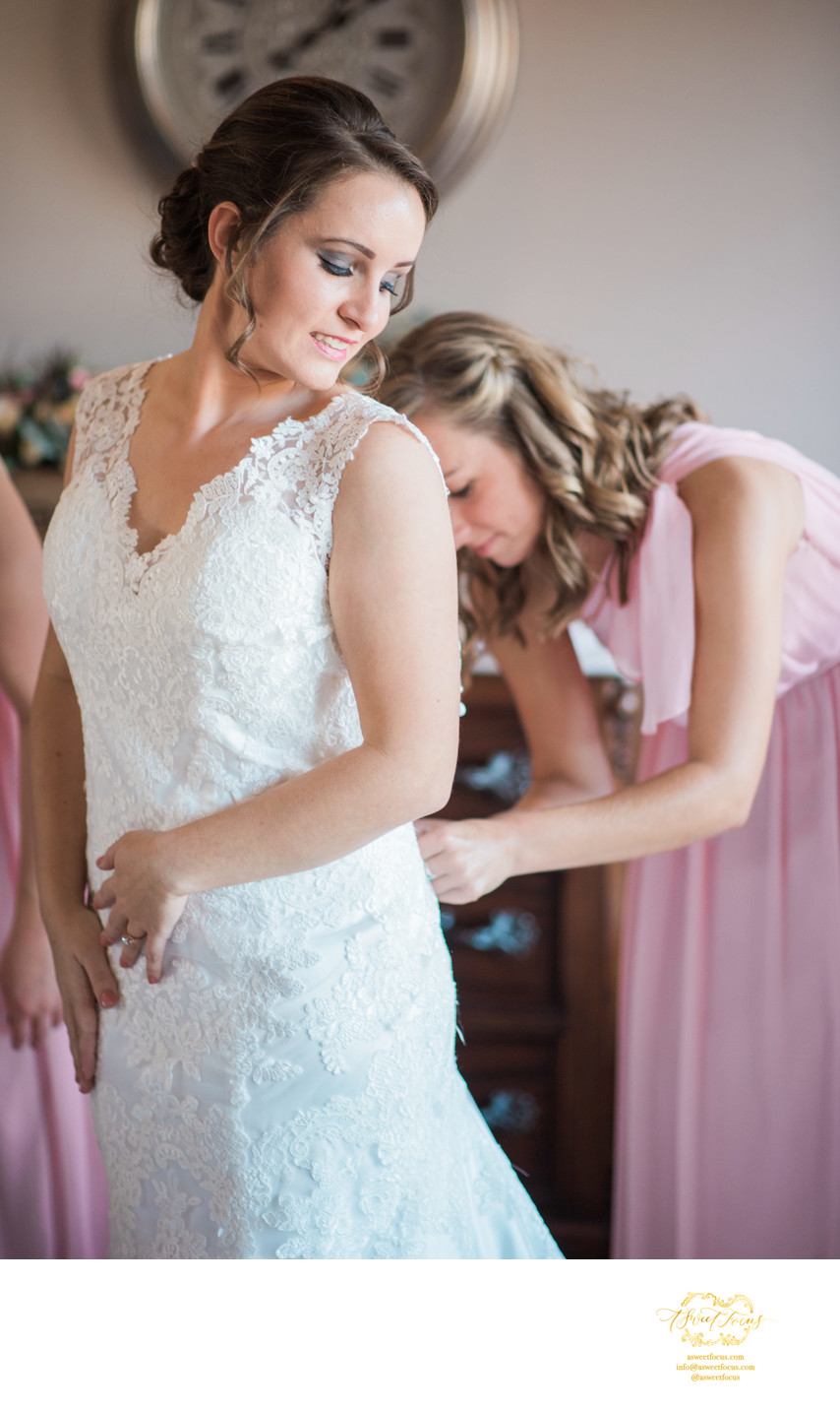 Silver Oaks Chateau bride dressing candid photography