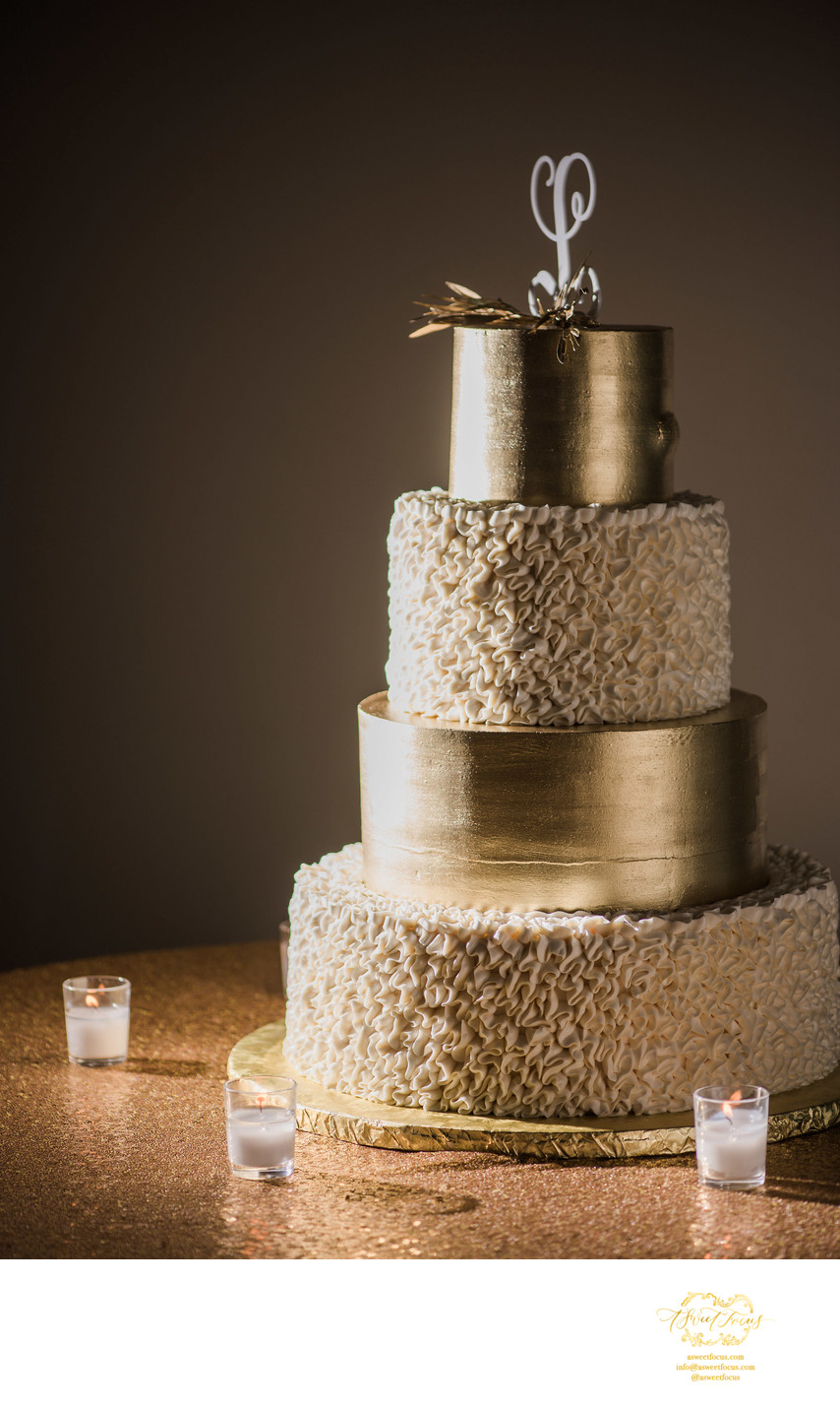 gold wedding cake amazing st louis photographer
