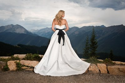 Aspen Mountaintop Colorado Bride
