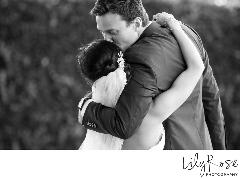 Cornerstone Sonoma Wedding Photographer Kiss