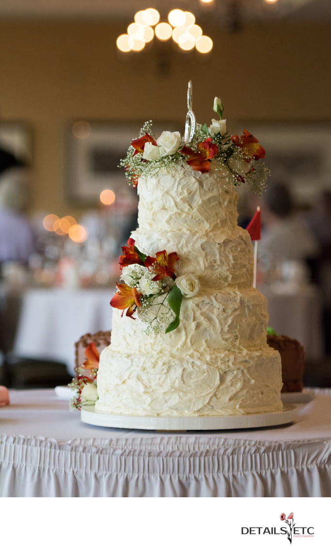 University Club Grand Rapids Wedding Cake