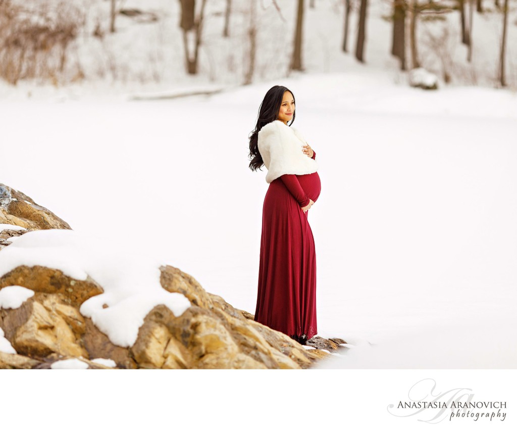 Winter Maternity Session Near Boston