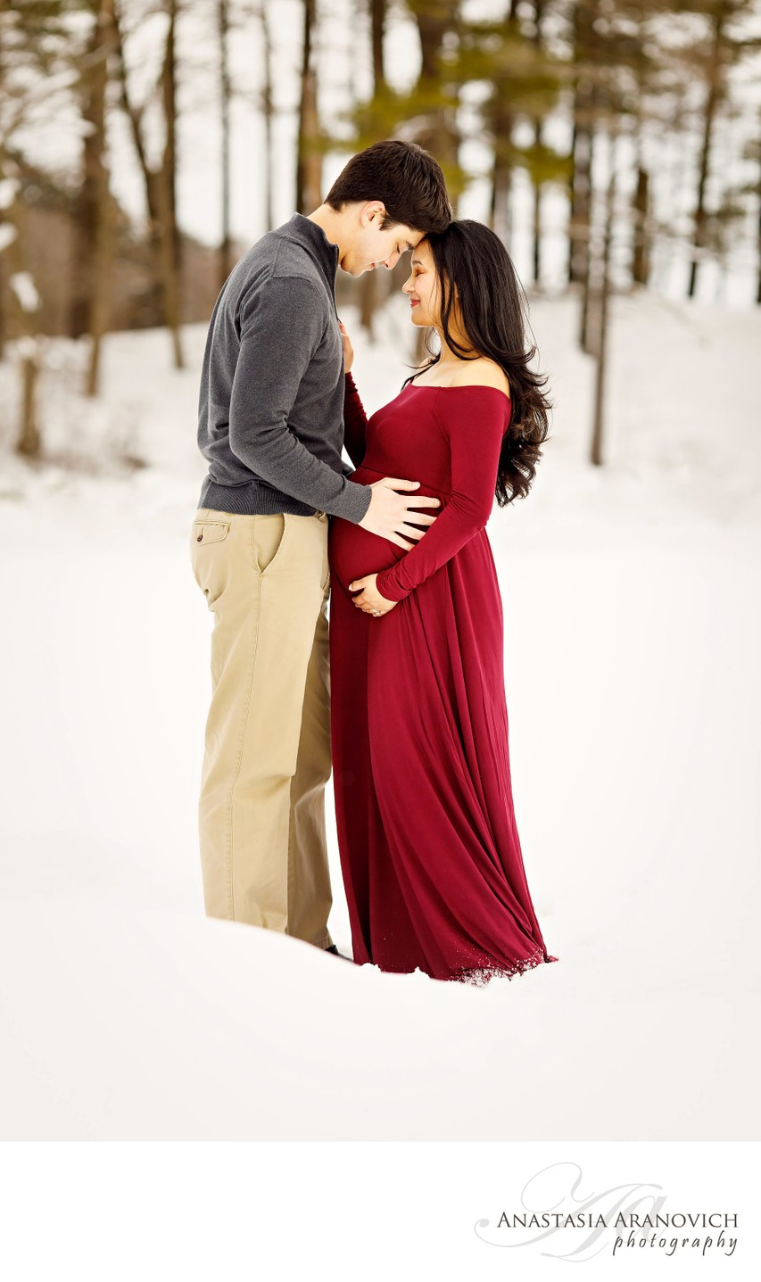 Wintery Photos of Expecting Parents